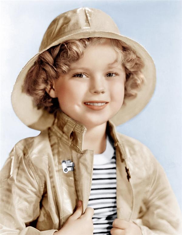 Sở hữu khuôn mặt xinh xắn đáng yêu cùng tố chất thông minh, Shirley Temple nhanh chóng trở thành ngôi sao nhí nổi tiếng.