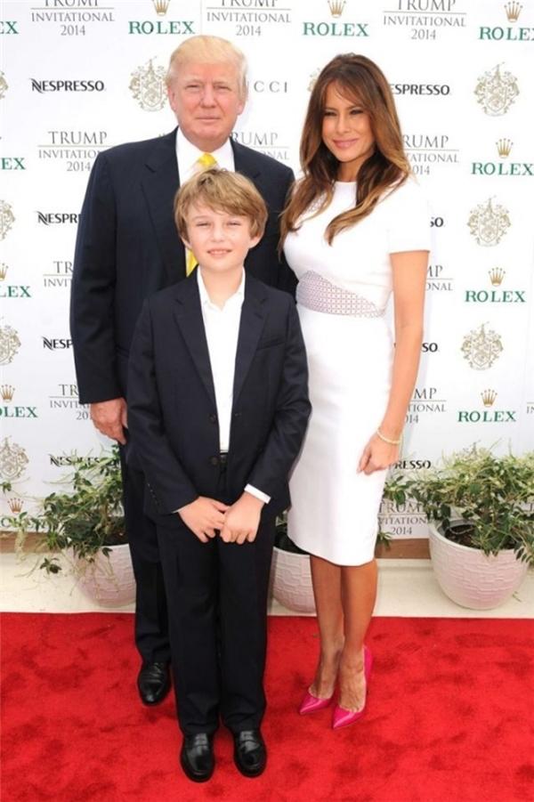 Cậu ít Barron dù chỉ mới 10 tuổi nhưng đã cao đến 1,75m.