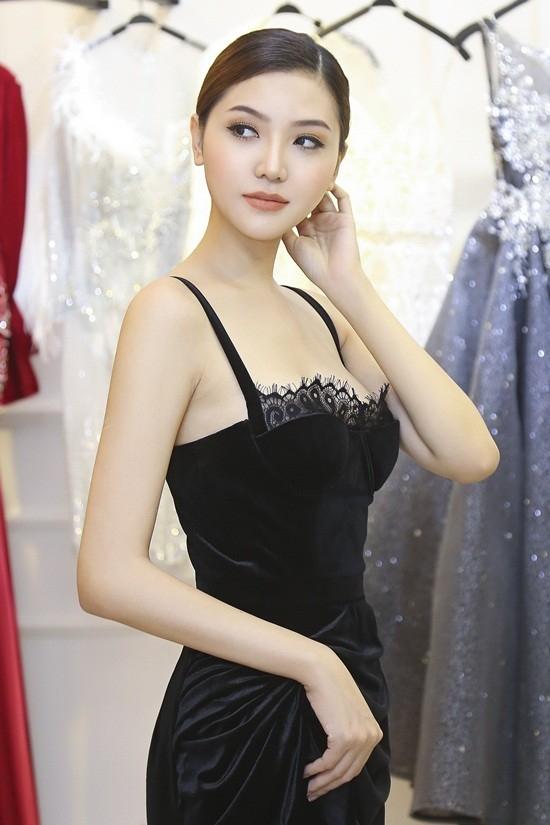 Ngọc Duyên sẽ diện gì tại show diễn nội y Victoria's Secret 2016?