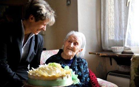 Cụ Emma trong ngày sinh nhật thứ 116 vào năm 2015. (Ảnh: Alamy).