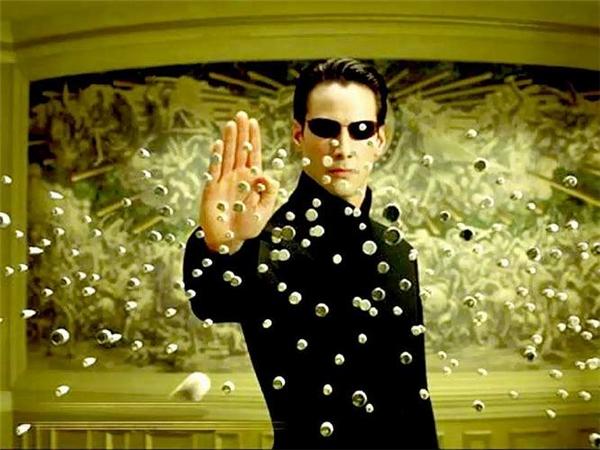 Keanu Reeves nổi tiếngtrong bộ phim Ma trận ăn khách.