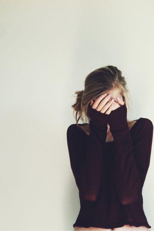 Viết cho những ai vẫn còn chìm đắm trong những mối quan hệ không tên