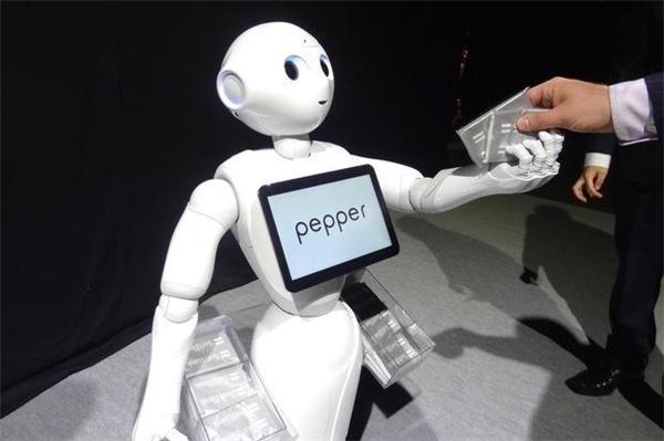 Pepper sẽ bán hàng như một nhân viên thực thụ. (Ảnh: internet)