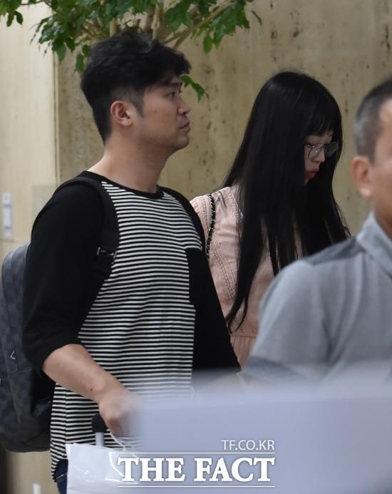 Lộ hình ảnh Sulli cùng bạn trai đến cấp cứu tại bệnh viện
