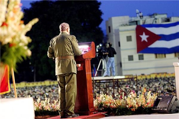Fidel trong một buổi nói chuyện vào ngày 26/7/2003 trước dân chúng Cuba, những người chưa từng biết đến một lãnh đạo nào khác ngoài người đang đứng trước mặt họ