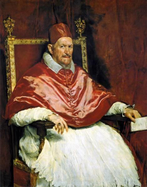 Năm 1686, Giáo Hoàng Innocent XIban lệnh cấm phụ nữ xuất hiện trong các dàn đồng ca nhà thờ hay trên biểu diễn trên sân khấu.