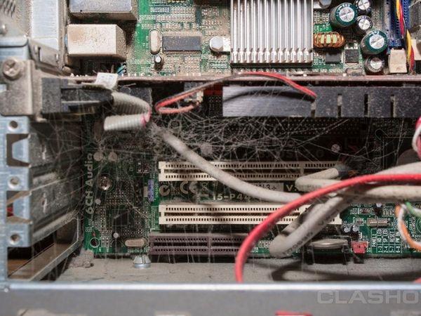 """Thợ sửa máy tính, người nắm giữ rất nhiều bí mật """"khủng khiếp"""" của thế giới."""