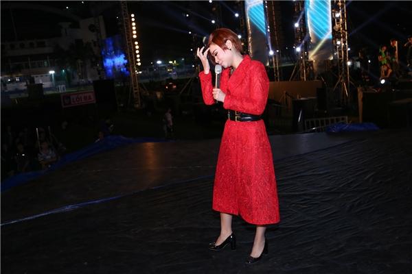Bên cạnh đó, tiết mục biểu diễn của Thu Minh tại YAN Beatfest còn tăng thêm phần sôi động với màn vũ đạo bắt mắt, kết hợp hoà quyện giữa âm thanh và ánh sáng. - Tin sao Viet - Tin tuc sao Viet - Scandal sao Viet - Tin tuc cua Sao - Tin cua Sao