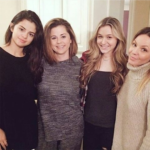 Bà Mandy Teffey chia sẻ hình ảnh mới nhất về con gái mình trên Instagram.
