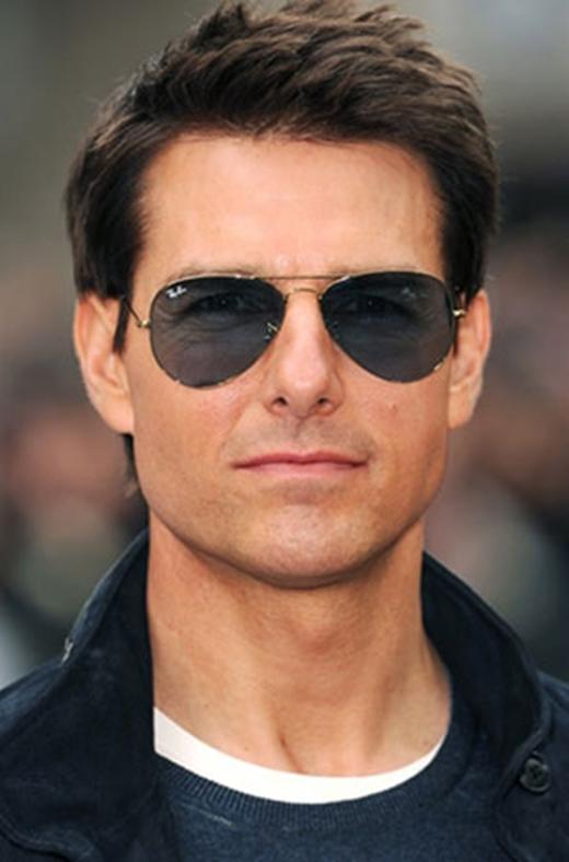 """Tạp chí Forbes từng xếp Tom Cruise vào danh sách những nhân vật có ảnh hưởng nhất trên thế giới. Bên cạnh Tom Hanks, Tom Cruise là người đồng thống trị """"Đế chế Toms"""" trong làng sao Hollywood một thời."""