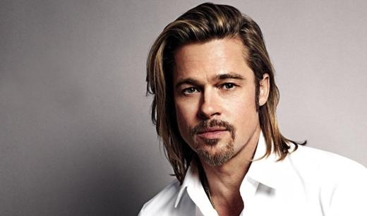Một trong những nghệ sĩ làm khuấy động giới truyền thông toàn cầu gần đây nhất có lẽ là Brad Pitt. Nam tài tử nàyđược mệnh danh là một trong những người đàn ông hấp dẫn nhất thế giới và từng có cuộc sống vợ chồng cực kỳ hạnh phúc bên cạnh Angelina Jolie và 6 người con nuôi. Thì quá khứ được dùng khi ám chỉmối quan hệ của anh vẫn còn khiến các fan hâm mộ tiếc nuối khôn nguôi.