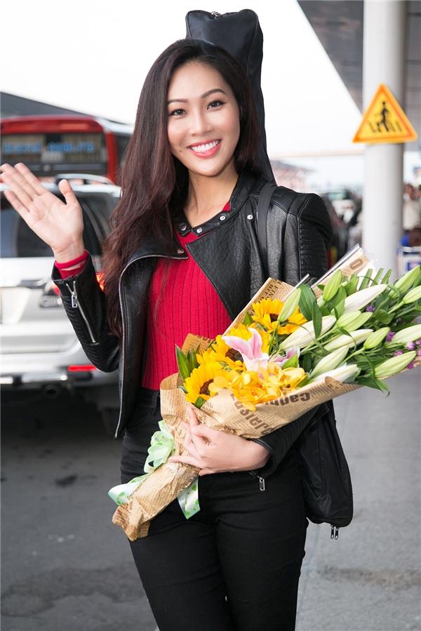 """Vừa sang Mỹ, Diệu Ngọc đã """"chạm trán"""" đối thủ nặng kí của Miss World"""