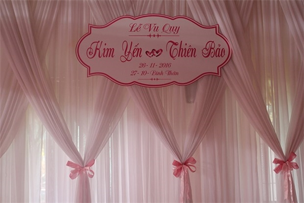 Không gian hôn lễ được trang trí tông màu hồng nhẹ nhàng, lãng mạn. - Tin sao Viet - Tin tuc sao Viet - Scandal sao Viet - Tin tuc cua Sao - Tin cua Sao