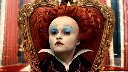 ...cho đếnNữ hoàng đỏ trong Alice ở xứ sở thần tiên!