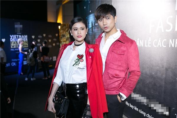 Thời gian qua, chuyện tình cảm của cặp đôi được khán giả quan tâm đặc biệt bởi sau nhiều năm chung sống, Tim đã chính thức cầu hôn Trương Quỳnh Anh.