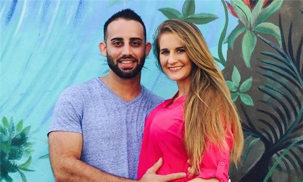 Hector Daniel Ferrer Alvarez, một người rất đam mê xe mô tô, bị một người bạn sát hại chỉ một tháng trước khi con gái anh chào đời.