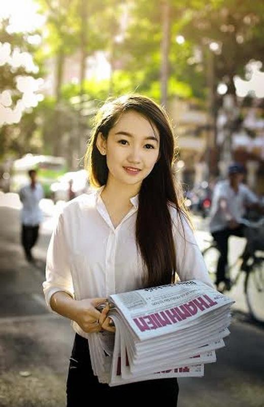 Được biết, Bảo Nhi đã nghỉ học từ lớp 9, nhờ công cuộc mưu sinh, cô gái bất ngờ nổi tiếng trên mạng xã hội.