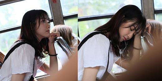 """Jang Mi tên thật là Bùi Bảo Trang, cô đang theo học và hoạt động trong lĩnh vực âm nhạc. Sau clip quay lén trên xe buýt, cô được cư dân mạng yêu mến và gọi bằng tên """"thánh nữ bolero""""."""