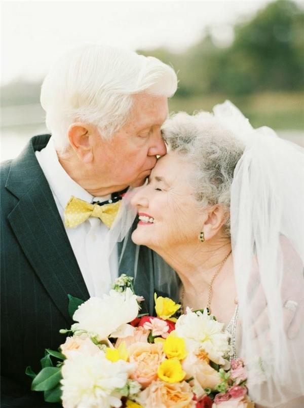 Những khoảnh khắc tình yêu đẹp đến mức khiến tim tan chảy thành nước