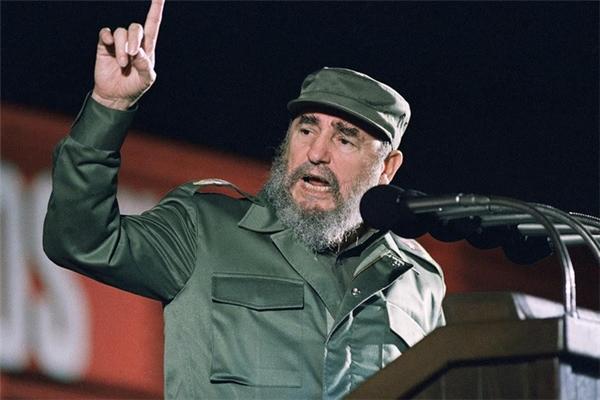 Việt Nam sẽ tổ chức Quốc tang cho cựu lãnh đạo CubaFidel Castro vào ngày 04/12/2016.