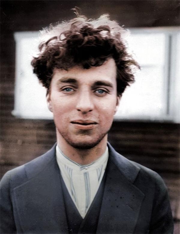Charlie Chaplin lúc 27 tuổi, năm 1916.