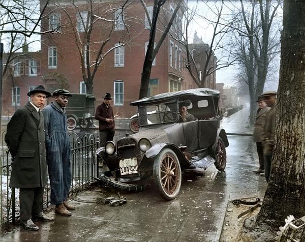 Một vụ tai nạn xe hơi ở Thủ đô Washington, 1921.