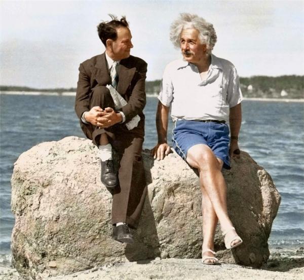Einstein bên bờ biển, 1939.