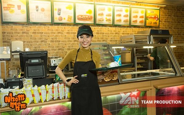 """Ngoài ra, trong tập này, Nhòm Nhèm sẽ hướng dẫn các khán giả cách gọi phần ăn cực đơn giản tại cửa hàng Subway. Đặc biệt, khán giả của chương trìnhsẽ được tặng 1 bánh cookiecho 1000 khách hàng đâù tiên nhắc tên """"Nhòm Nhèm"""" tạiSubway."""