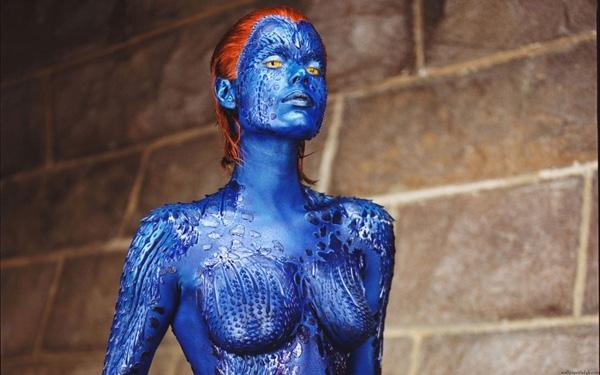 """Trong loạt phim X-Men (Dị nhân) đình đám, Magneto không phải là nhân vật phản diễn gây ấn tượng mạnh nhất đối với khán giả mà chính là cô gái """"hóa xanh""""Mystique, nhân vậtdo người mẫuRebecca Romijn thủ vai. Với tính cách đầy mưu mô và xảo quyệt nhưng không kém phần mạnh mẽ, quyết đoán, Mystique đã khiến người xem phải đi từ bất ngờ này đến bất ngờ khác."""