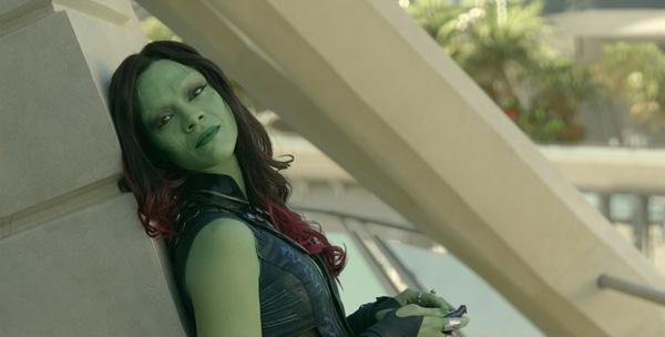 Nhân vậtGamora do Zoe Saldana thủ vailà cô gái da xanh có sức mạnh phi thường, tài năng và bản lĩnh, thành viên nữ trong băng đảng Vệ binh dải ngân hà(Guardians of the Galaxy). Được biết, nữ diễn viên sẽ trở lại trong phần 2 của Guardians of the Galaxy vào năm 2017tới đây, theo như trailer của phim,Zoe sẽ tiếp tục đảm nhận vai chủ chốt trong cuộc phiêu lưu ngoài không gian của Marvel.