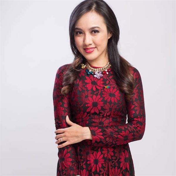 Hoài Anh đã là nữ biên tập viên quen thuộc của khán giả yêu thích Đài truyền hình Việt Nam.