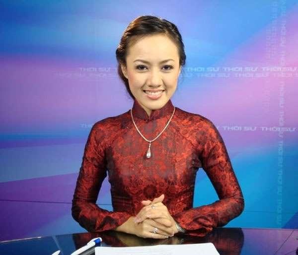 Hoài Anh là nữ MC nói giọng miền Nam đầu tiên trong chương trình thời sự 19h.