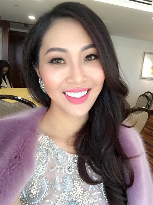 Người đẹp không quên gửi lời cảm ơn khán giả quê nhà và mong mọi người sẽ luôn ủng hộ và theo dõi hành trình của các thí sinh tại Hoa hậu Thế giới 2016.