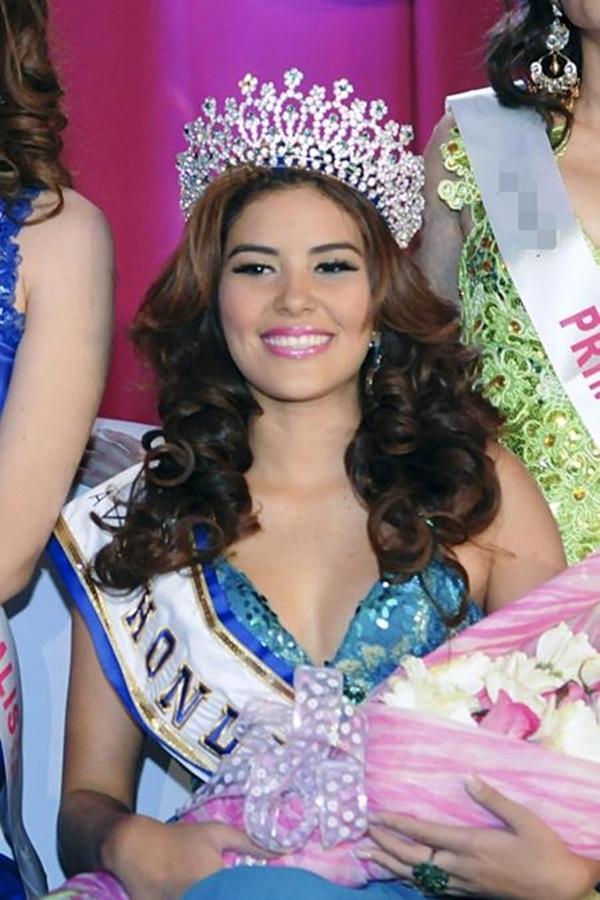 Là một cô nàng xinh đẹp và đầy tài sắc, Maria Jose Alvarado đã đăng quang ngôi vị Hoa hậu Honduras  khi chỉ mới 19 tuổi.