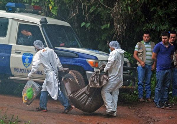 Sáu ngày sau, cảnh sát đã tìm thấy xác của hai chị em được chôn gần một con sông tại ngôi làng Cablotales ở Honduras.