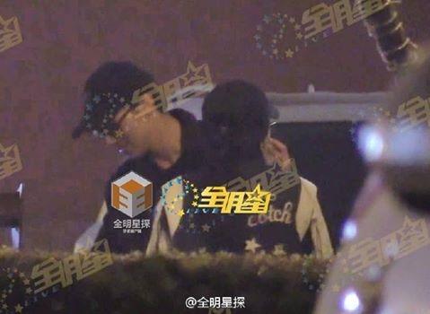 Hứa Ngụy Châu bị tung ảnh ôm hôn bạn diễn nữ, fan Thượng Ẩn khóc thét