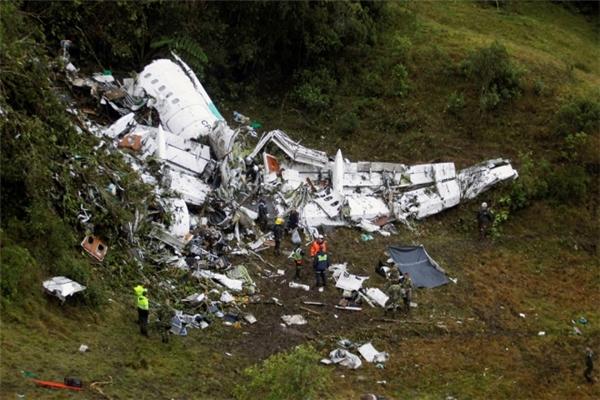 77 trong số 81 người có mặt trên máy bay đã thiệt mạng trong vụ tai nạn này.