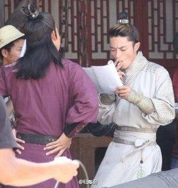 Hậu scandal, ông xã Lâm Tâm Như lộ răng vàng, bị chê vừa già vừa xấu