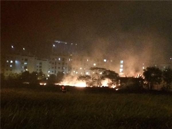 Thực hư chuyện thanh niên tỏ tình gây cháy lớn ở khu đô thị Việt Hưng