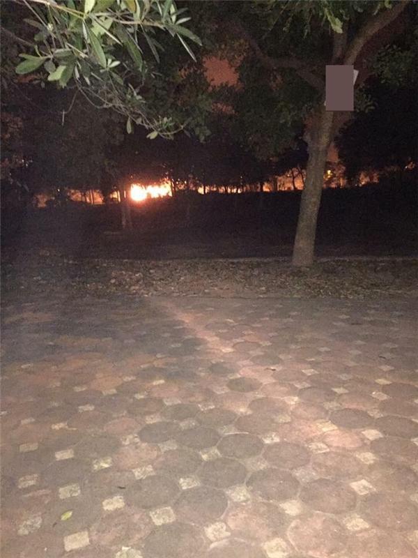 Những hình ảnh về vụ hỏa hoạn được một trang fanpage đăng tải.