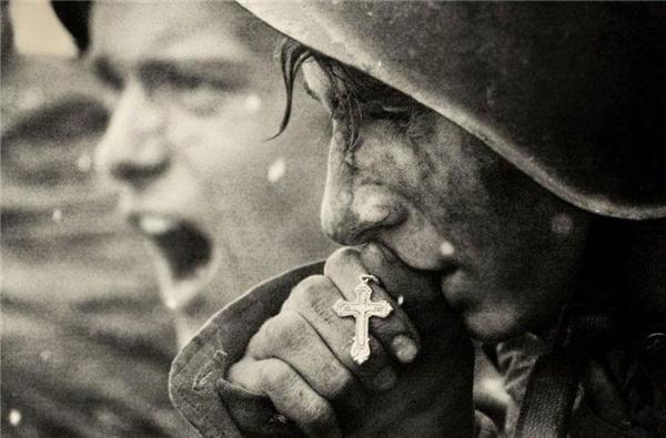 #15 Một bức ảnh từ hồi chiến tranh Nga những năm1941-1945 được phục chế và mang đi tham dự tại một cuộc thi ảnh vào năm 2006.(Ảnh: Life Buzz)