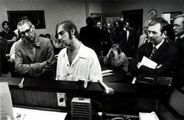 Johnny Garrett trong một phiên tòa.