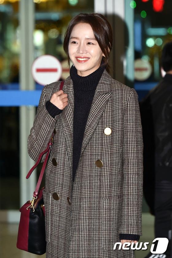 """Nữ diễn viên Shin Hye Sun gần đây được chú ý khi trở thành """"tình địch màn ảnh"""" của Jun Ji Hyun trong Huyền thoại biển xanh."""