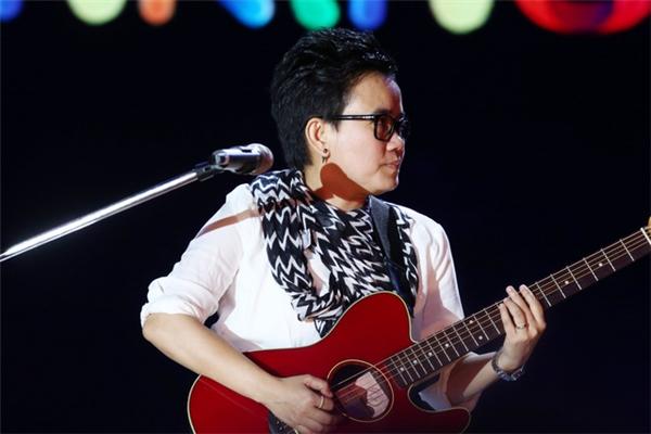 Tâm đắc với đứa con tinh thần của mình, nhạc sĩ Phương Uyên mong muốn được truyền cảm hứng sống đầy đến với nhiều người hơn. - Tin sao Viet - Tin tuc sao Viet - Scandal sao Viet - Tin tuc cua Sao - Tin cua Sao