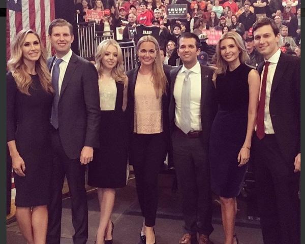 Sau khi kết hôn,Vanessa Trumpluôn sát cánh với các hoạt động của gia đình chồng.