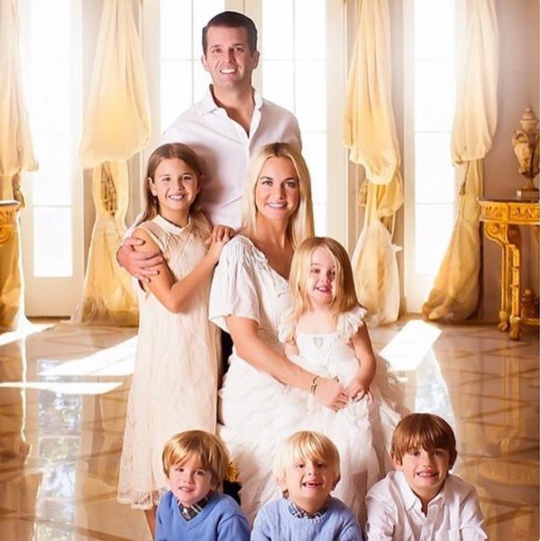 Gia đình nhỏ của cậu con trai cả nhà Donald Trump.