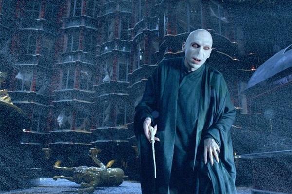 ...chúa tể hắc ám Voldemort trong bộ truyện nổi tiếng Harry Porter.