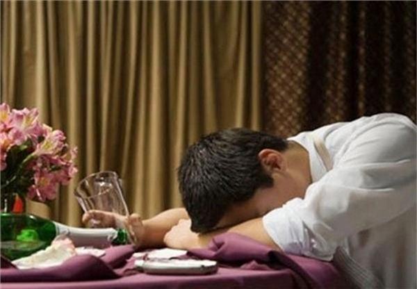 Sau khi uống một lượng lớn rượu vodkaKamilđột quỵ và được xác địnhđã chết do tim ngừng đập. (Ảnh minh họa)