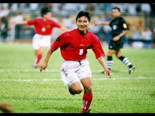 Trong sự nghiệp lừng lẫy của mình, Hồng Sơn giành gần như tất cả những thành tích mà một cầu thủ có thể mơ ước.