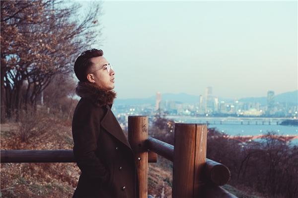Bên cạnh đó là lịch trình làm việc của Only C - Lou Hoàng trong suốt tháng 12 gần như kín mít với sự kiện đại nhạc hội diễn ra tại tất cả các thành phố lớn của cả nước do nam nhạc sĩđảm nhiệm vai trò giám đốc âm nhạc của sự kiện này. - Tin sao Viet - Tin tuc sao Viet - Scandal sao Viet - Tin tuc cua Sao - Tin cua Sao